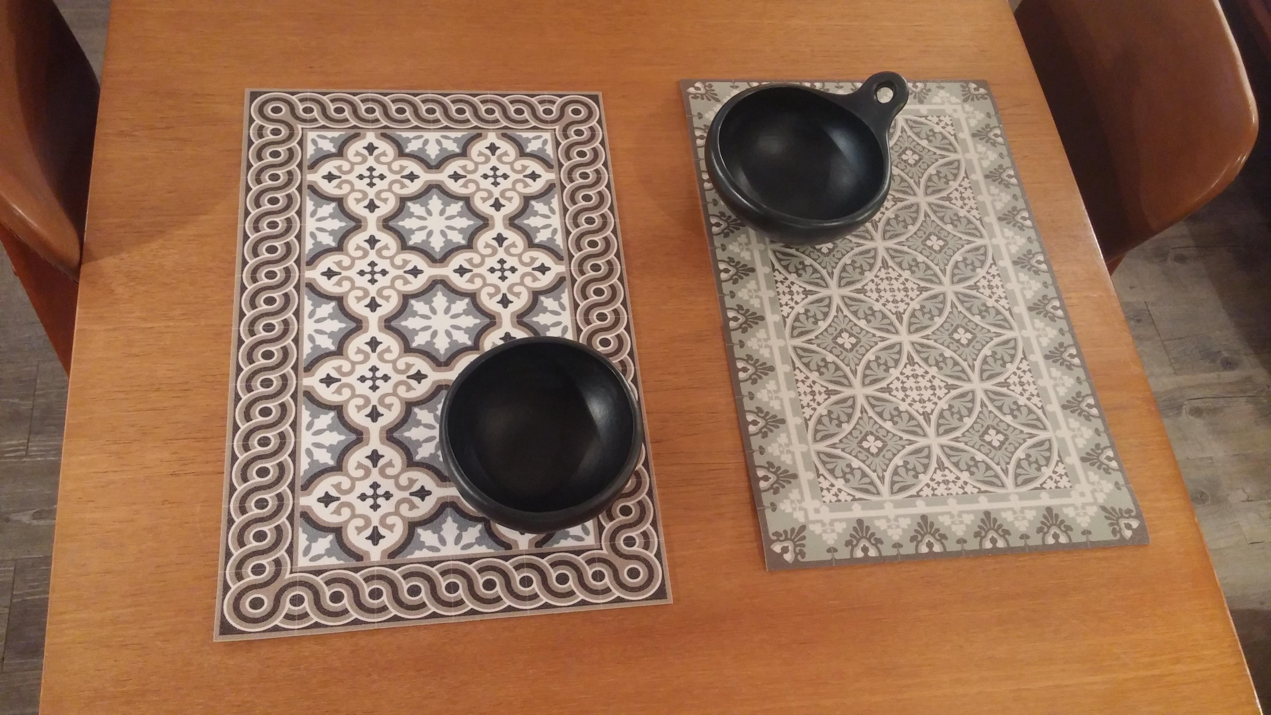 set de table en vinyl. Black Bedroom Furniture Sets. Home Design Ideas